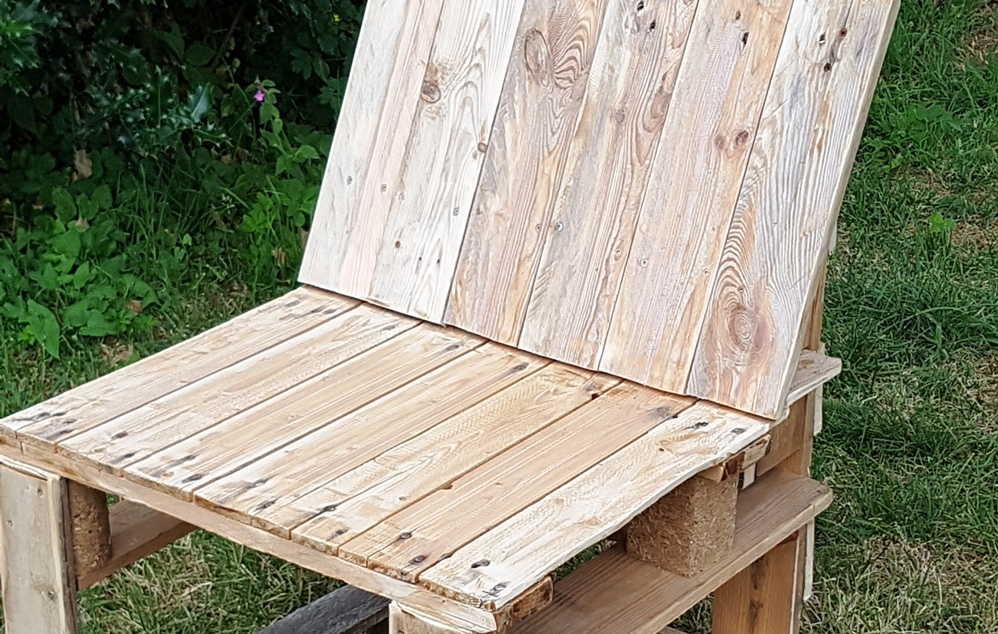 Construire un fauteuil en palettes